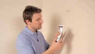 How to fill holes and cracks in walls